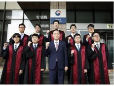 법무부, 로스쿨 출신 법무관 전역 신임검사 9명 임관